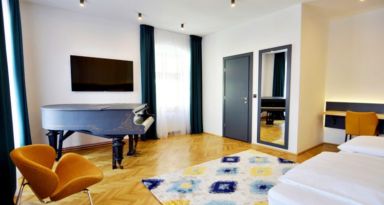 Superior Room with Piano